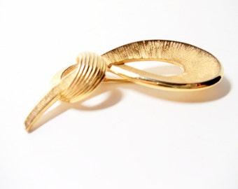 Trifari Brooch- Ribbon Brooch- 1960 Brooch- Crown Trifari- Bow Brooch- Ribbon Pin- Textured Brooch- Gold Bow Brooch- Trifari Gold Bow