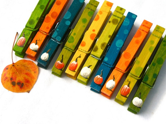 FALL PUMPKIN CLOTHESPINS hand painted magnetic pegs