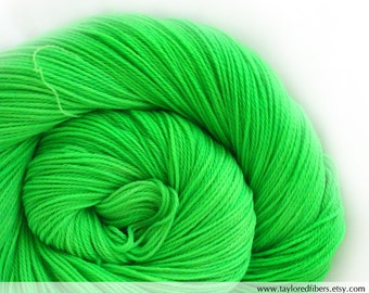 Super wash Merino Cashmere Nylon (MCN) Yarn Hand Dyed (ANE627)