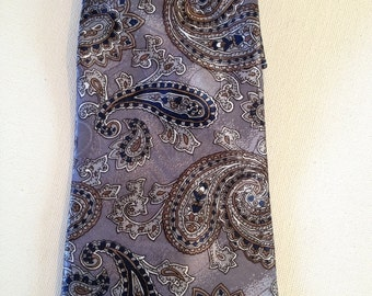 David Taylor from Sears Mens Wide Silvery Purple Paisley Polyester Necktie - necktie, silver paisley necktie, paisley  necktie
