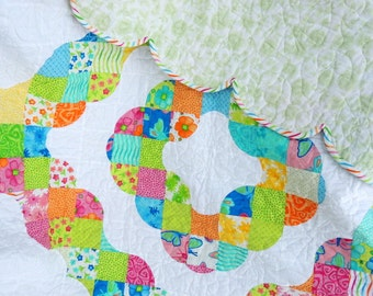 "Throw sized or Kids Quilt  ""Summer Breeze"""