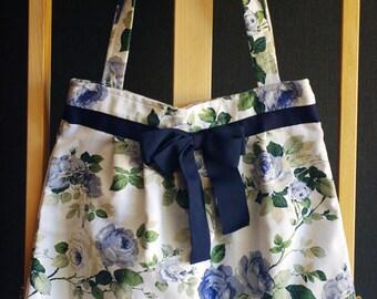 Blue Roses - linen shoulder bag with a bow