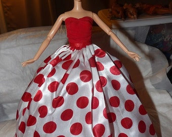 Red Carpet Collection - Stunning red & white polka dot formal with Tulle slip for Fashion Dolls - ed612