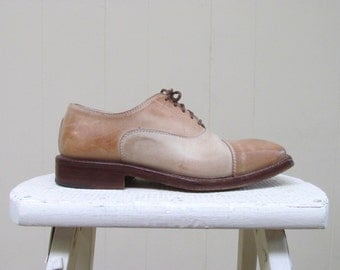 Vintage 1970s Shoes / 70s Two-toned Leather Oxfords / Size 37 Eur