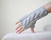 Women fingerless gloves, Grey fingerless gloves, Knit mittens for women, mitten for two, Cozy knitting pattern