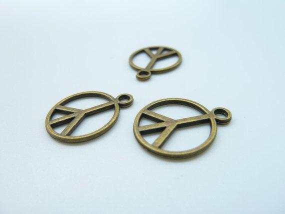30pcs 14mm Antique Bronze Mini Peace Symbol Charms Pendant c506