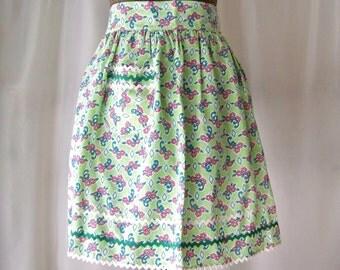 Vintage Apron Green Print Half Apron Retro Kitchen 50s Kitchen Mothers Apron Linen Bridal Shower Gift