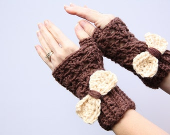 Brown Gloves With a Cream Bow