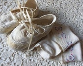 Baby Shoes - Vintage - Mrs. Days Ideal Baby Shoes - Size 2 - Vintage Socks - Collectible - 50 to 75 Years Old