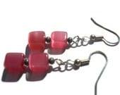 Pink Cats Eye Earrings, Pink Gray Earrings, Dark Pink Earrings, Cube Earrings, Geometric Earrings, Fashion Earrings, Pink Beaded Jewelry