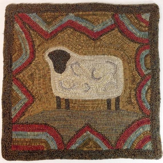 "Rug Hooking PATTERN, Primitive Sheep, 18"" x 18"", J717"