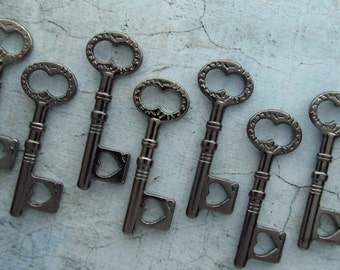 Heart Small Gunmetal Black Skeleton Key  - Set of 10