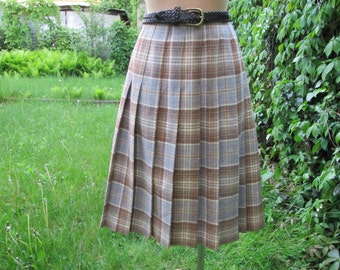 Woolen Pleated Skirt / Size EUR42 / 44 X UK14 / 16 / With Lining