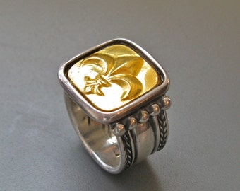 Fleur des Lis - ring of pure gold repoussee on sterling silver