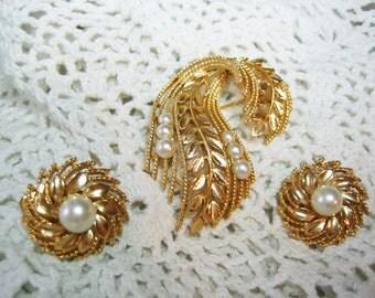 Vintage Lisner Olive Twig Designe Pearl Brooch Earrings