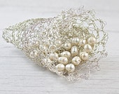 Unique silver Lily bridal fascinator. Handmade bridal hair piece. Silver crochet flower Lily hair clip. One of the kind bridal pearls