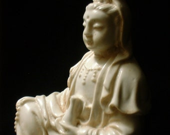 Delicately Detailed Quan Yin Statue in Faux IVORY Finish a Travel Buddha
