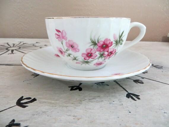 Tea Cups Floral Nippon Yoko Boeki Co. Set of 4 Teacups and Saucers Pink Floral Teacup Porcelain Tea Cup
