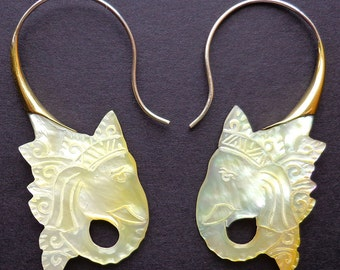 Mother of Pearl and Metal Hook Earrings - KING - Tribal Style Jewelry - Elephant Design