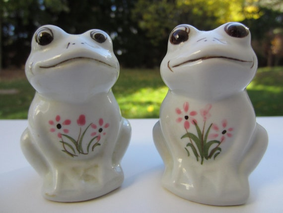 Cute Pair Of Frog Salt And Pepper Shakers By