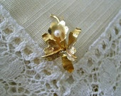 Antique 18K Gold Bridal Pin Art Nouveau Orchid and Pearl Pin Hand Crafted