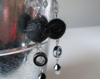 Boucles d'oreilles noir en acier inoxydable (hypoallergique) / Black stainless steel earrings (Hypoallergic)