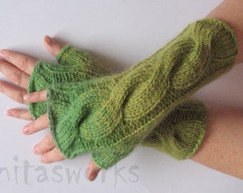 Fingerless Gloves Green Moss wrist warmers