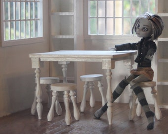 1:6 scale white Table and 4 stools fits Elf on the shelf (Blythe, Barbie, Monster High, Bratz, Momoko)