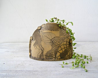 Ceramic Flat Vase, Vintage 70s Israel Pottery, Etched Leaves Table Vase, Woodland Rustic Decor, Stoneware Pocket Sack Vase Cottage Chic