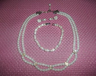Fabulous Faux Pearl And Rhinestone Bib Necklace With Matching Pierced Earrings & Bracelet
