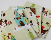Set of 4 Cloth Table Napkins for Christmas Holiday / Alpine Wonderland Green - SUZUYA