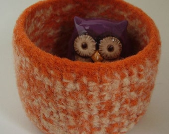 felted wool bowl eco friendly storage container jewelry holder desktop organizer orange and cream