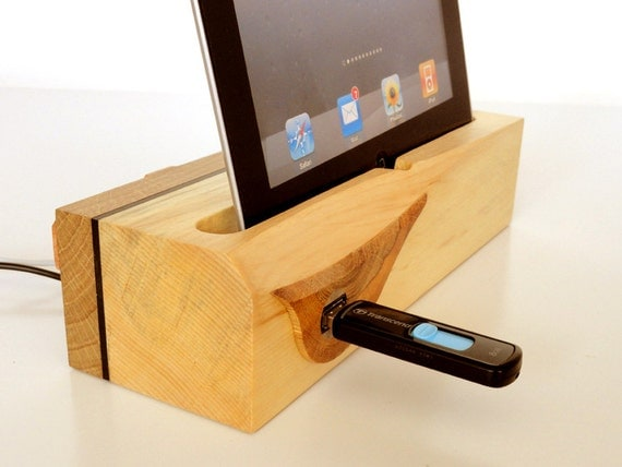 ipad dock ipad air dock with extra usb port modern. Black Bedroom Furniture Sets. Home Design Ideas