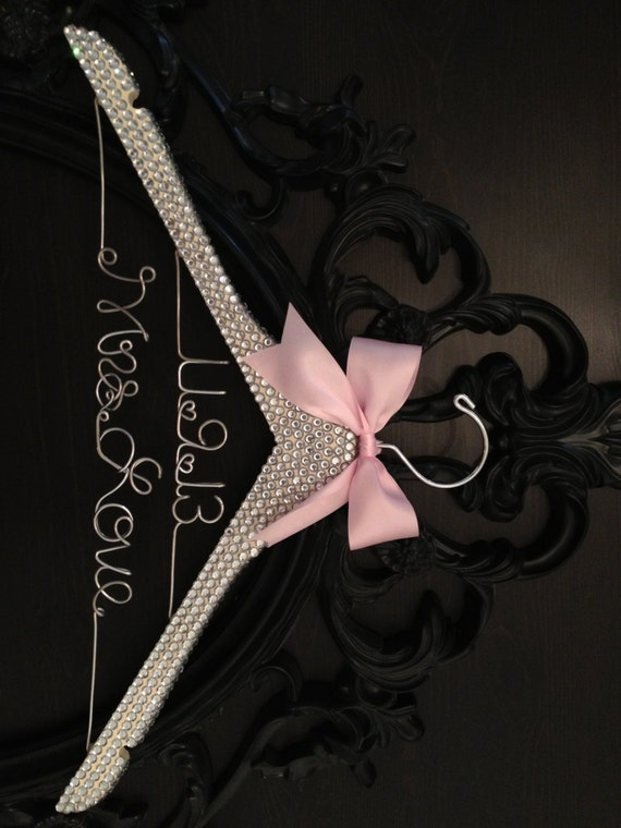 Bridal BLING Hanger with Wedding Date / Glamorous Wedding Hanger / Personalized Bridal Hanger / Brides Hanger / Wedding Dress Hanger