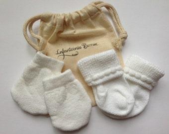 NEWBORN SOCKS & MITTENS newborn girl socks newborn girl mittens newborn socks with bow no scratch mittens baby socks baby mittens