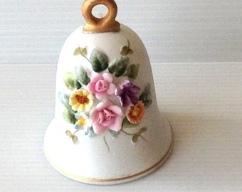 porcelain bell, bell with handpainted flower bouquet, fine bone china, bisquit procelain, made in japan, under 20 dollar