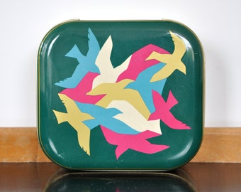 Square small storage tin with birds