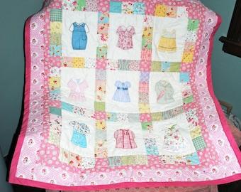 Appliqued crib quilt, Betsy's Closet