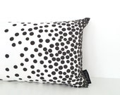 Chasing dots! Cushion cover in black and white, 50x30cm / 20x12 inch