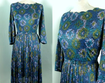 Vintage 1950s Nylon Jersey Dress, 50s Floral Print Full Skirt Dress Size 8/10 30W