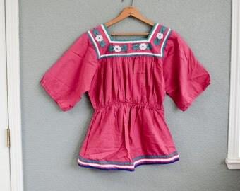 1970s MED/LRG ethnic peasant magenta top