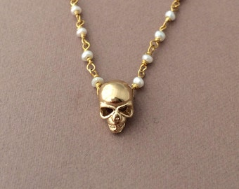 Gold Skull White Freshwater Pearl Necklace