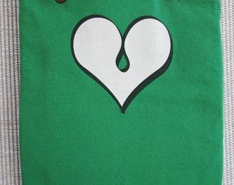 Green heart tote