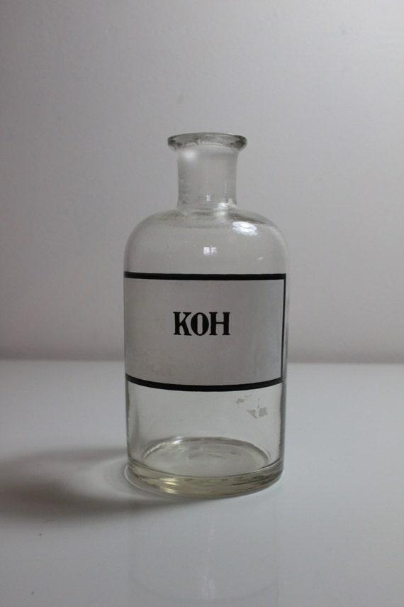 Vintage chemistry aphoticary bottle - KOH