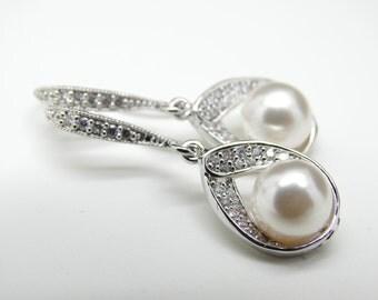 Ivory pearl Earrings Bridal Pearl Earrings WHITE Pearl Earrings or CREAM Pearl Earrings Bridesmaid gift Wedding Jewelry