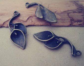 12pcs  Antique Bronze common calla Charms Pendant 14mmx37mm