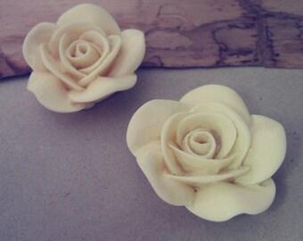 4pcs beige  Resin Flowers 37mm