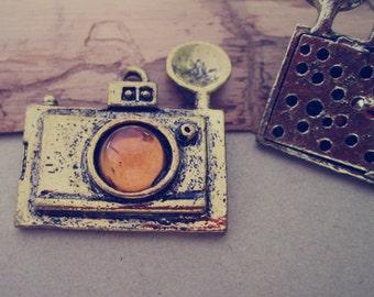 2pcs Antique Bronze camera Pendant Charms 36mmx39mm