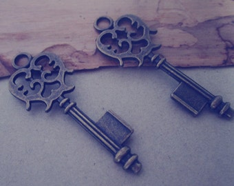 10pcs Antique bronze key pendant charm 17mmx43mm