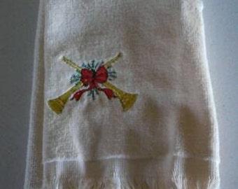 Embroidered Christmas Fingertip Towel  (Item # 1501)